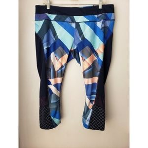 Athleta geometric print plus size crop tights